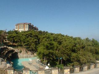Utopia World Resort Hotel